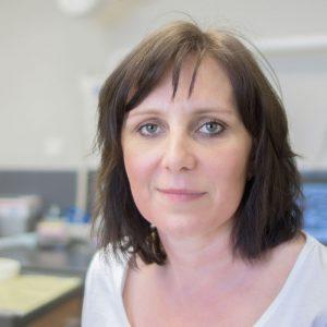 Milena Kotvasová   zubná sestra